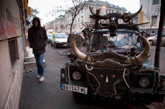 05-matteo-vegetti-serbia-odd-car-in-belgrade