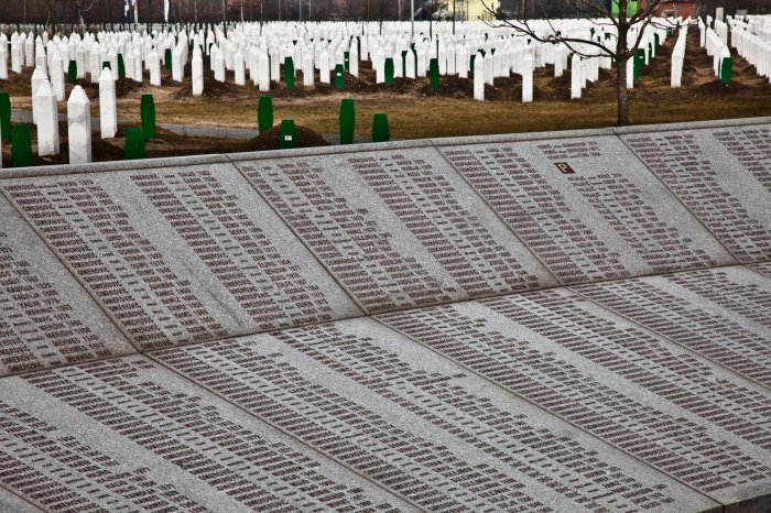 10-matteo-vegetti-bosnia-srebrenica-names-and-graves