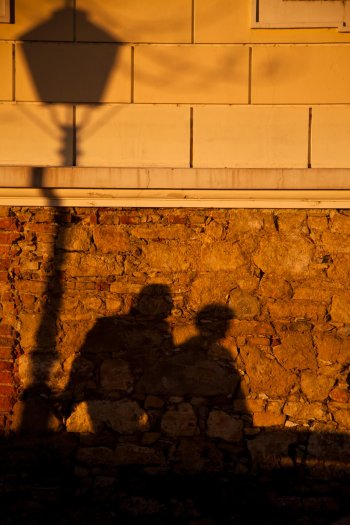 matteo-vegetti-croatia-zagreb-couple-shadow-05