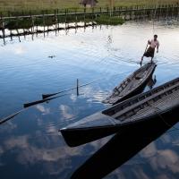 Inle fisherman reflection
