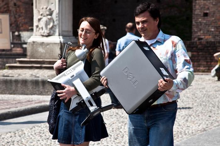 matteo-vegetti-portable-computer-in-rome